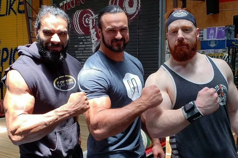 5 Current And Former Wwe Superstars Drew Mcintyre Is Friends With In Real Life Drew Mcintyre Wwe Superstars Wwe