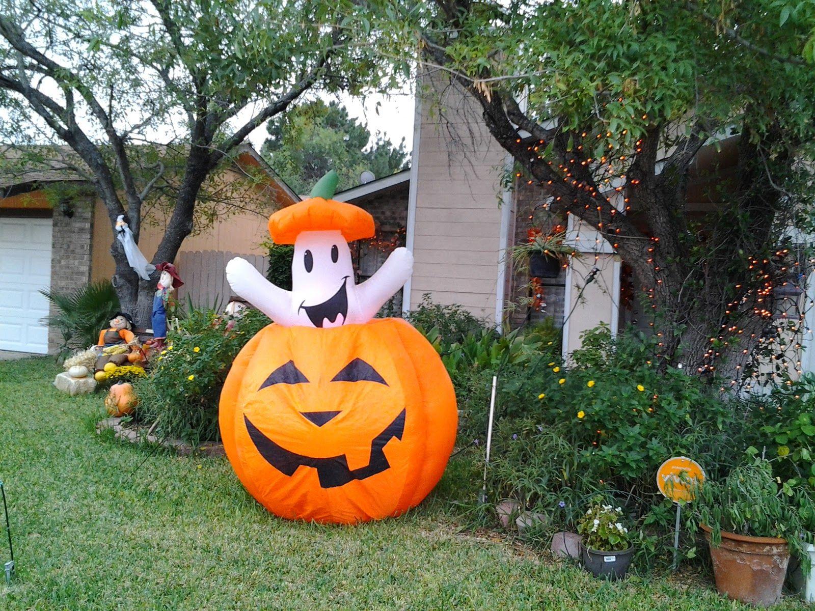 Getting ready for HALLOWEEN in LAREDO Laredo, Halloween