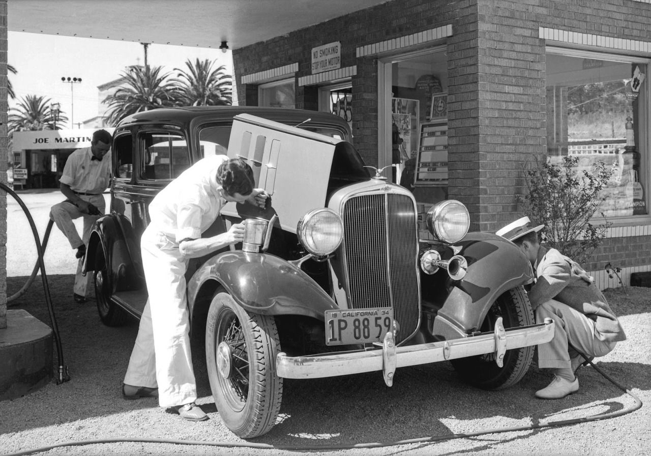 Service station, Southern California, 1934 | Old Automobile ...