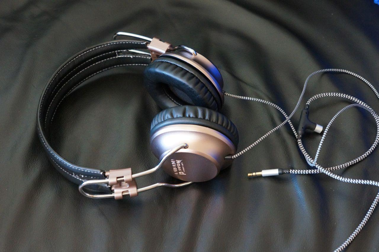California Headphone Company S Laredo On Ear Headphones Headphones Headphone Headphones Review