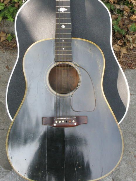 1943 Banner Gibson. Numbers on the neck block are 2745. Original bill of sale from George Gruhn, Nashville, 1970. Custom inlay so it is not original. Boulevard Music in Culver City gave year, repair estimate of $100 for new pegs, confirmed spruce top, and other details. Guitar needs minor work and I am flexible on price.