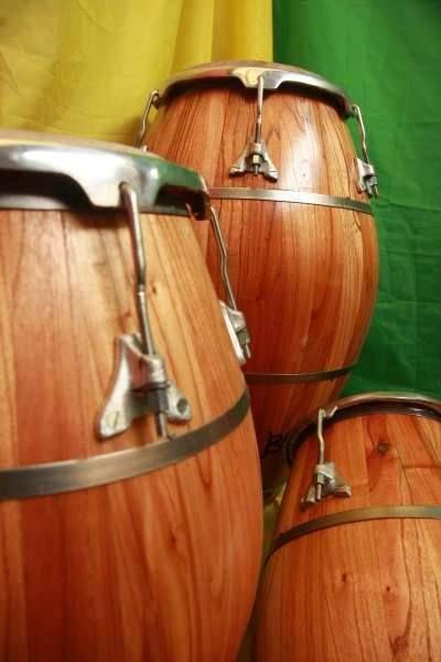 Aprende diferentes toques de #candombe con Tatita Márquez en este video...http://goo.gl/SF18Ms #percusion #uruguay
