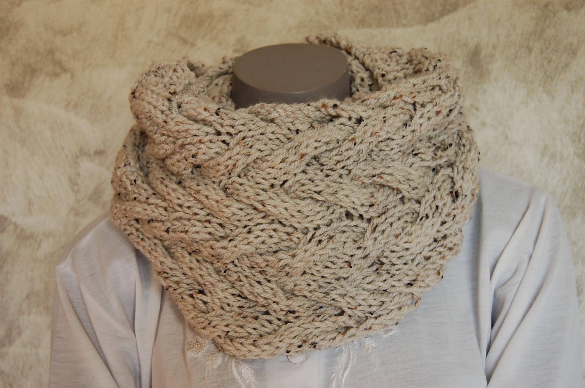 tricoter une echarpe fermee