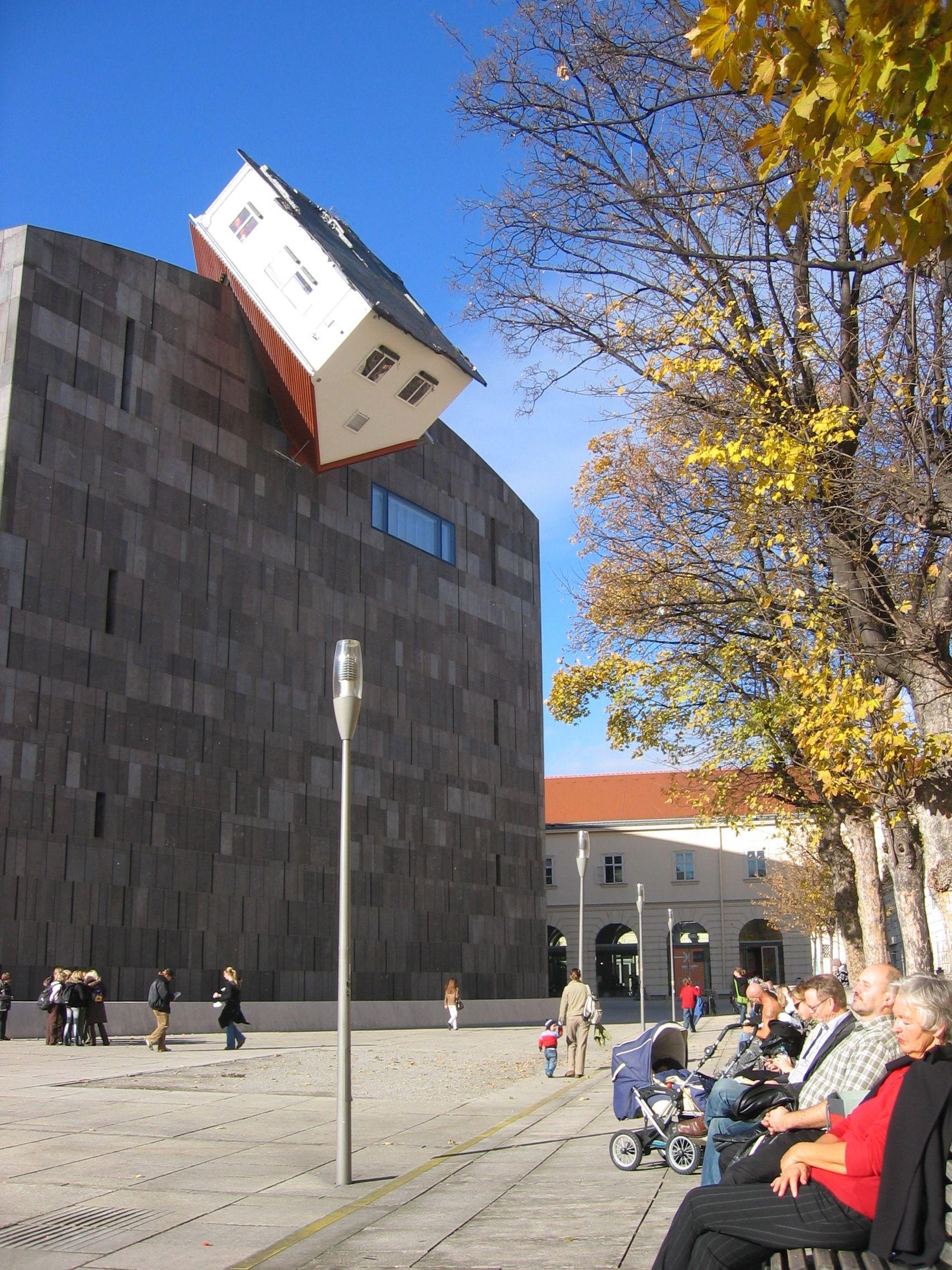 Erwin Wurm Museum Moderne Kunst Wenen Reizen Wenen Oostenrijk