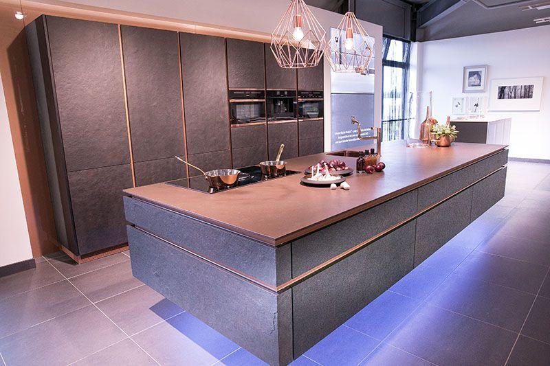 Graue Küche Mit Eiche Arbeitsplatte