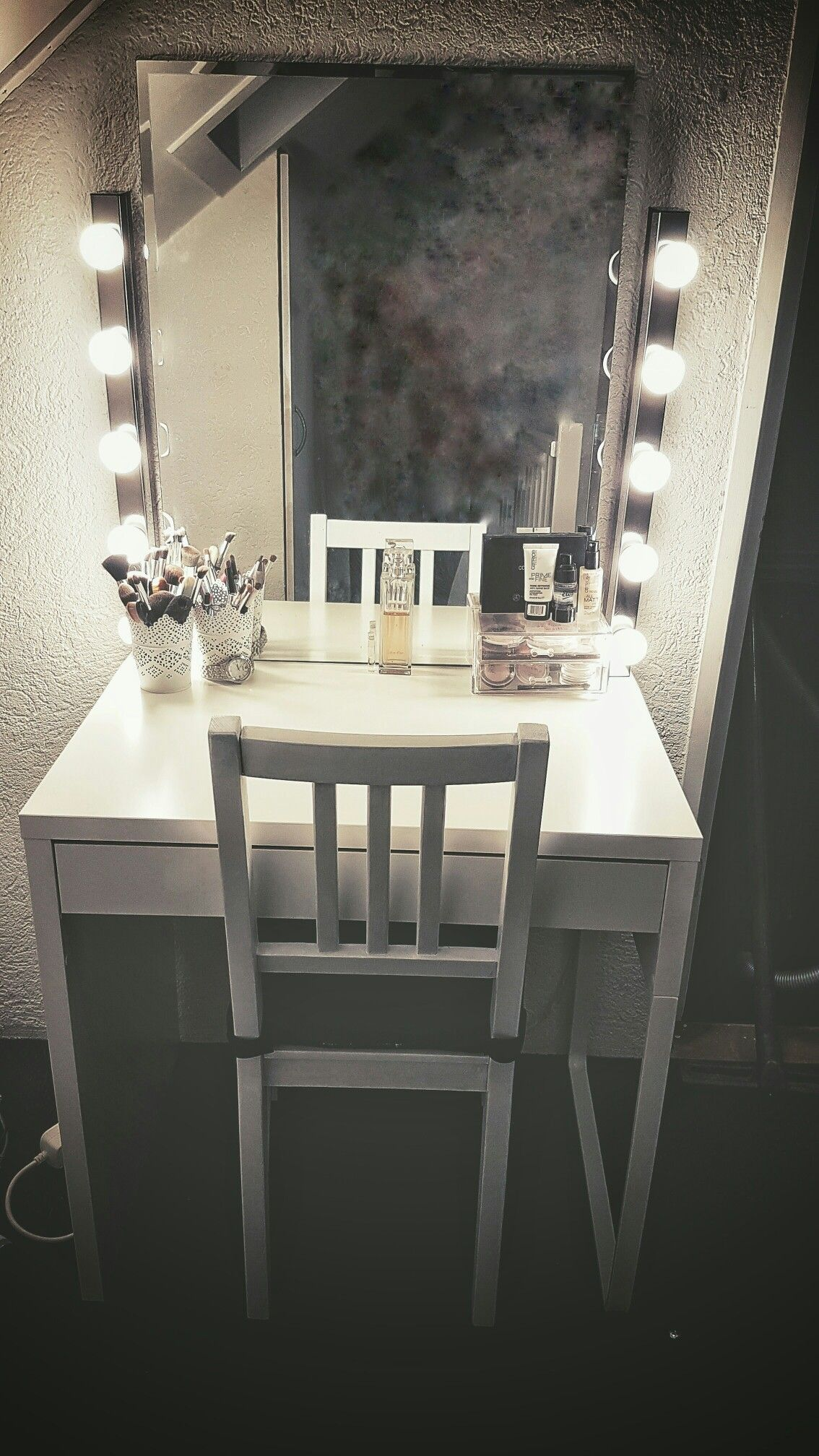 So today i finished my vanity. I'm in love! Everything IKEA ✌