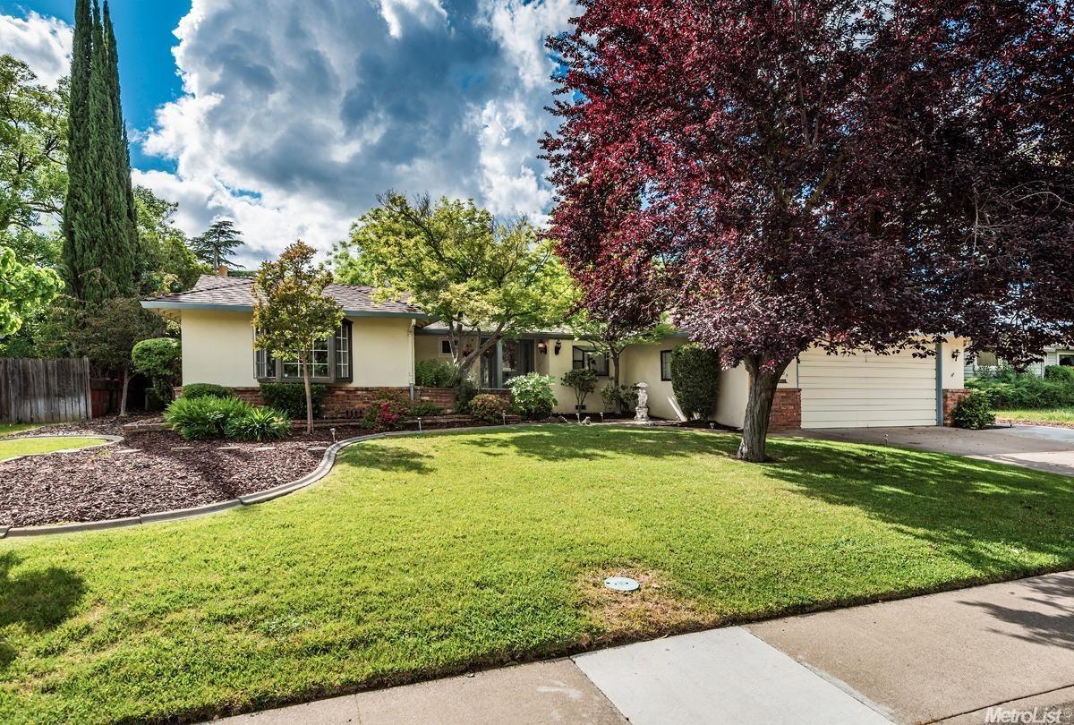 3925 Garfield Avenue, Carmichael, CA $285,000  $1,307 Est. Mortgage Payment 3 beds / 2 baths / 1,488 sqft / 10,890 lot sqft / 1960 built / 3 days on site /