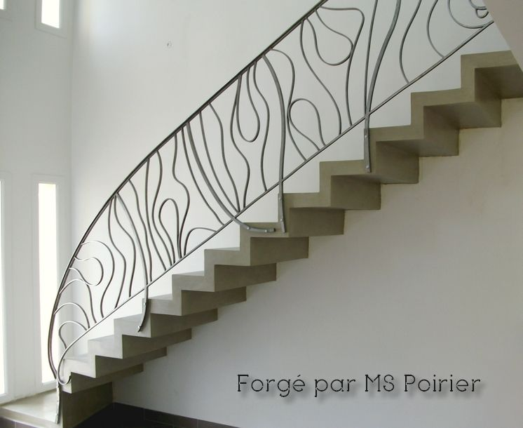 Rampe d 39 escalier en fer forg contemporaine par ms poirier for Rampe escalier moderne