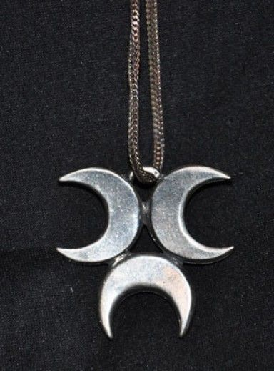 Triple Crescent Moon Pendant Used In The Season 4 Episode Black As