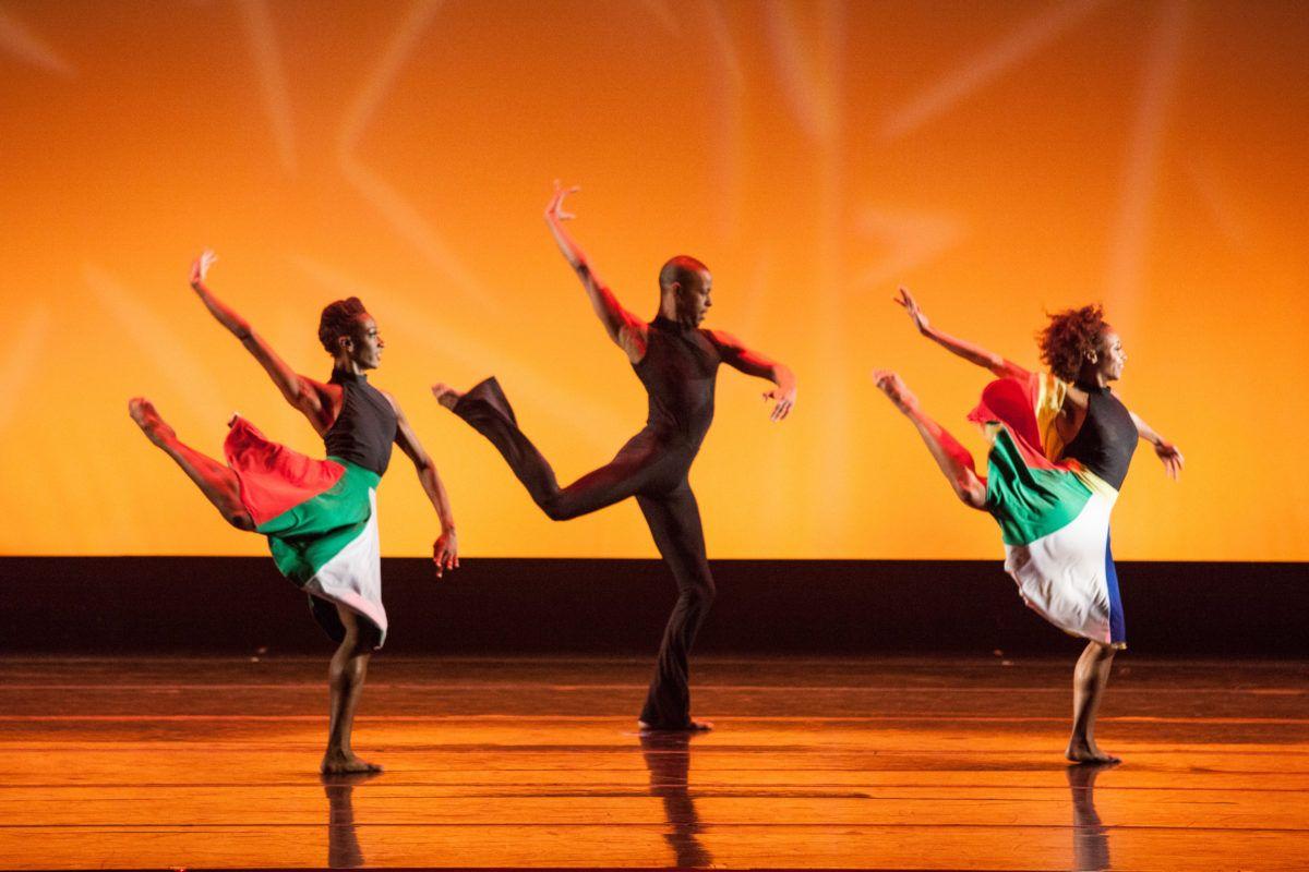 Dallas black dance theatre turns to the past in cultural