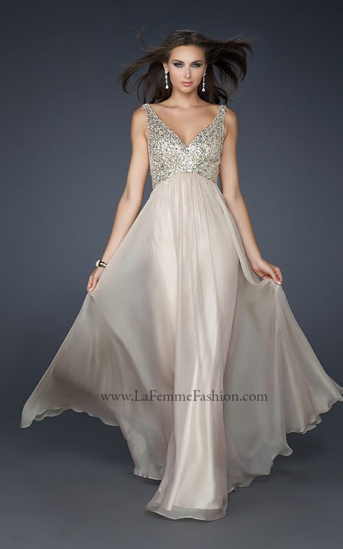 Champagne Colorednude Colored Prom Dress With V Neck And Sequins On