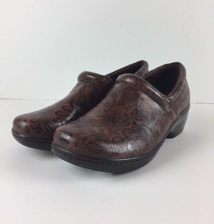 YUU Bethanee Slip On Tooled Brown Clogs