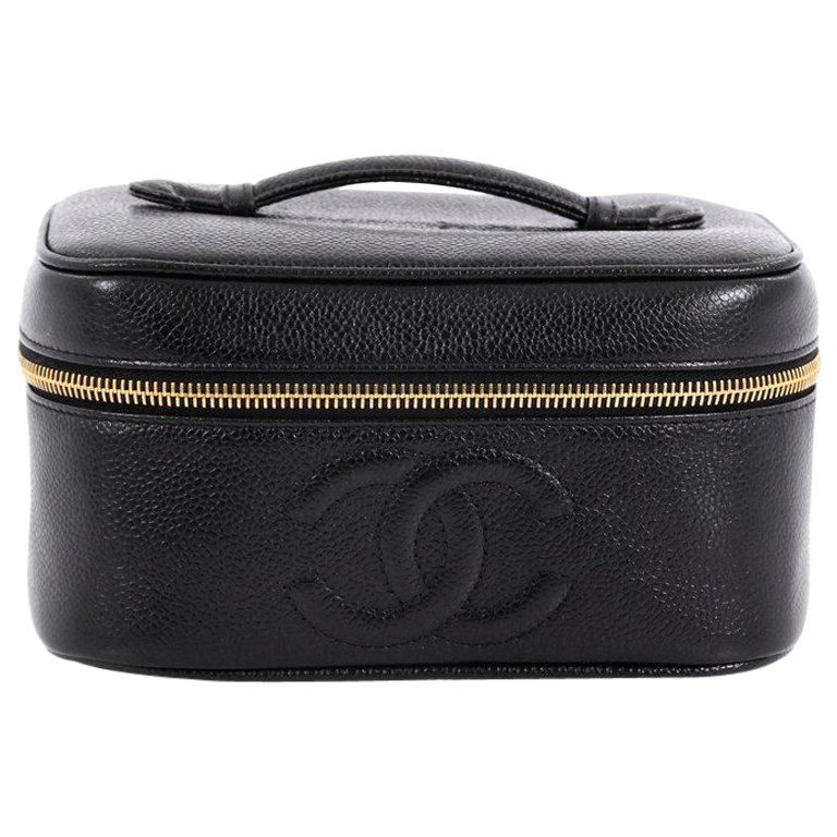 8dbc97208a9 Chanel Vintage Timeless Cosmetic Case Caviar in 2019 | Products ...