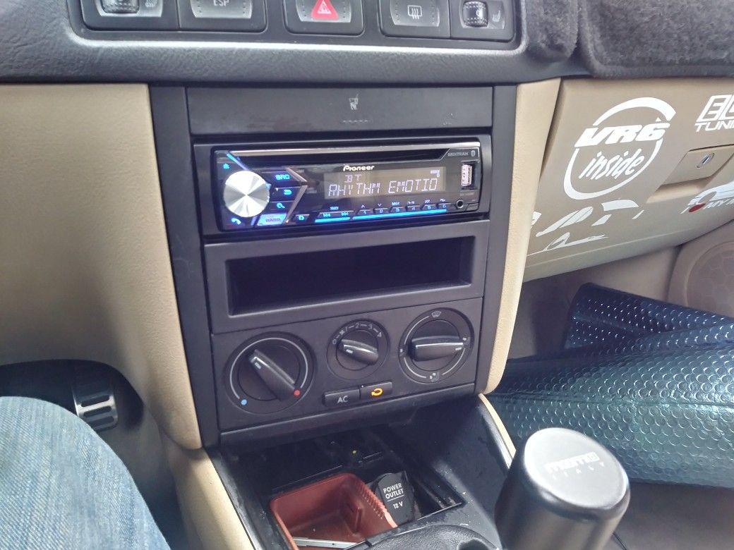 Install took awhile but it works Pioneer Stereo in my MKIV ... on mk4 jetta thermostat, mk4 jetta transmission, mk4 jetta airbag light, mk4 jetta dash, mk4 jetta engine, mk4 jetta brakes, mk4 jetta timing belt, mk4 jetta fuse, mk4 jetta steering wheel, mk4 jetta coolant leak,