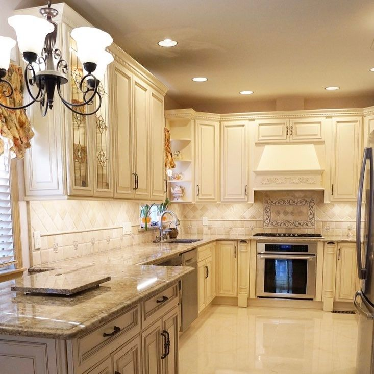 Ivory Glazed Kitchen Cabinets: Fabuwood Wellington Ivory! Http://customerskb.com #kitchen