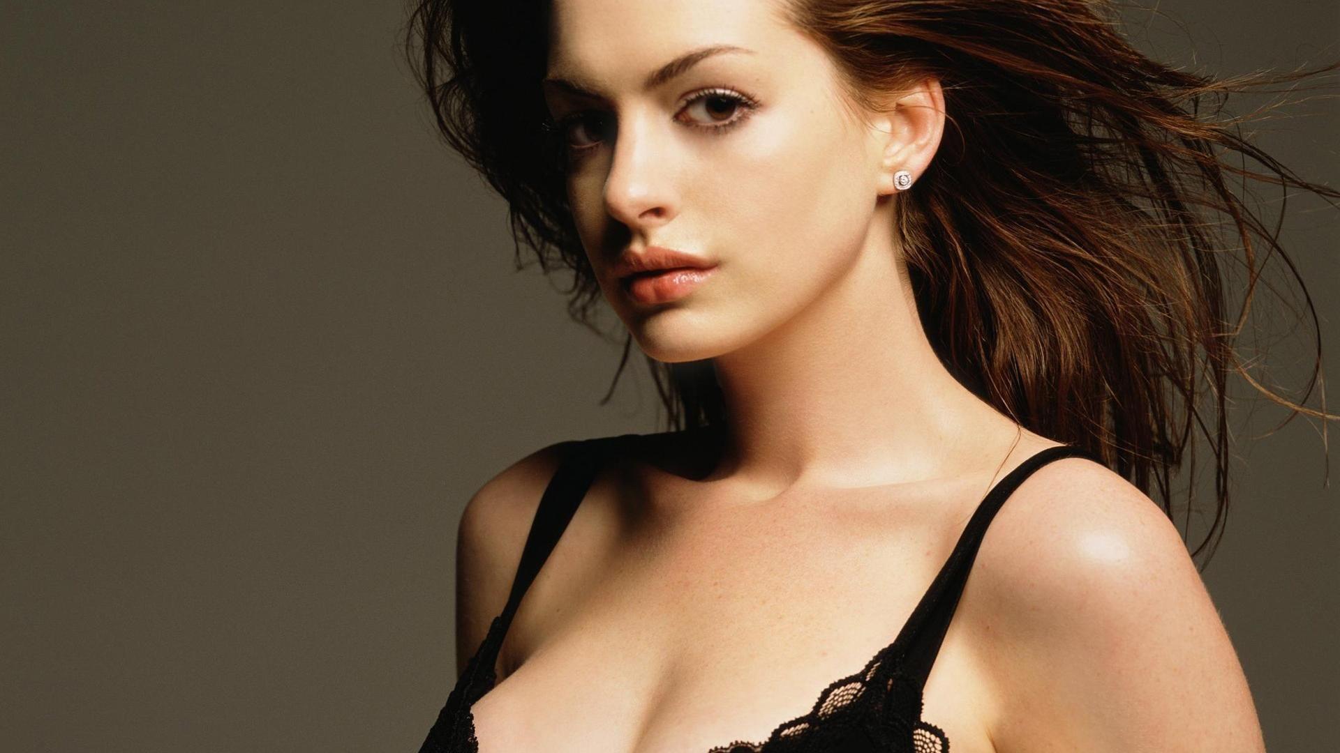 Klara Castanho Sexy Nude Photos 6