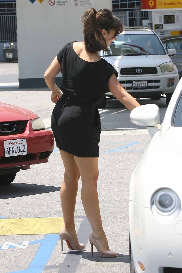 Women in tight skirts and pantyhose