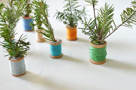 Tema DIY Spool árboles de navidad para los niños
