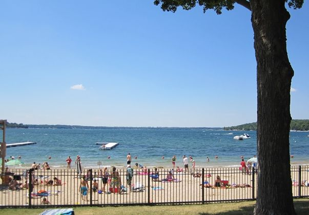 Lake Geneva Wi Beach Located Between The Riviera And Library