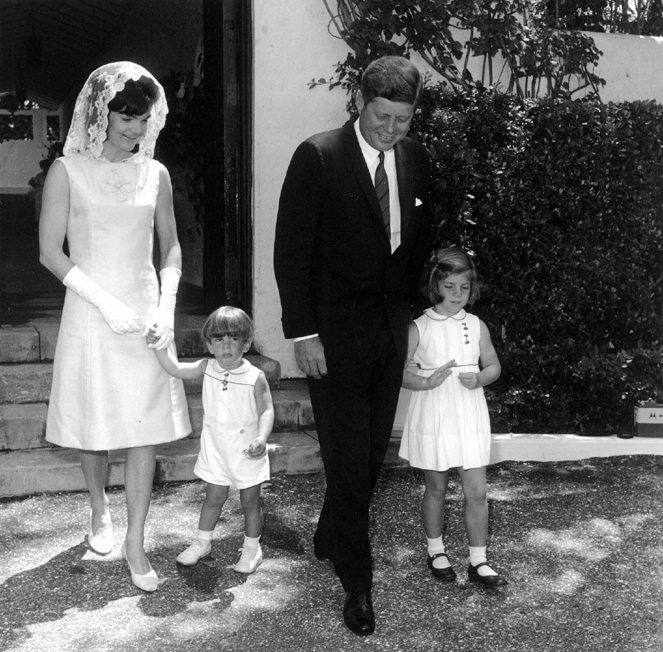 U S President John F Kennedy His Wife Jacqueline And Their Children