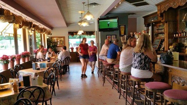 European Street Cafe A Favorite Vegan Meetup Venue In Northeast Florida Cafe Healthy Restaurant Vegan