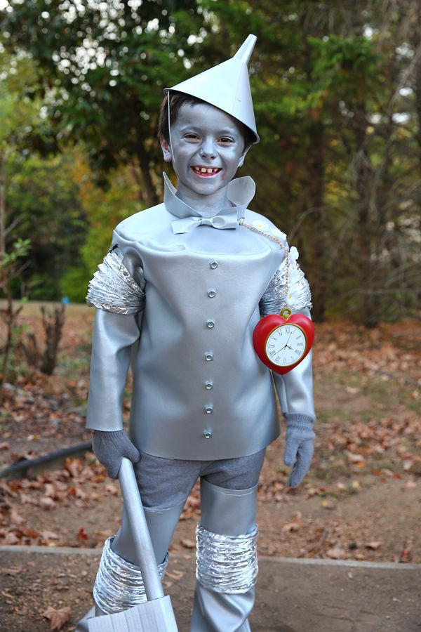 Wizard of Oz Family Costumes with Photos & DIY Instructions