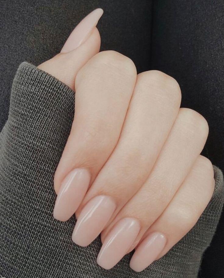 Auf der Suche nach den besten Nudel-Designs? Hier ist meine Liste der besten nackten Nägel für ..., #acrylicnails #besten #designs #liste #meine #nudel #suche #nailsshape