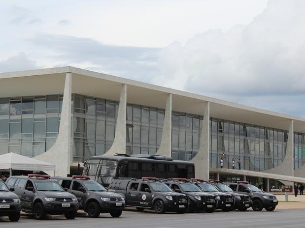 Palácio do Planalto em pânico, Michel Temer manda reforçar segurança urgente ! | Pensa Brasil