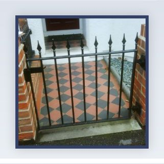 Garden gate with choice of finials