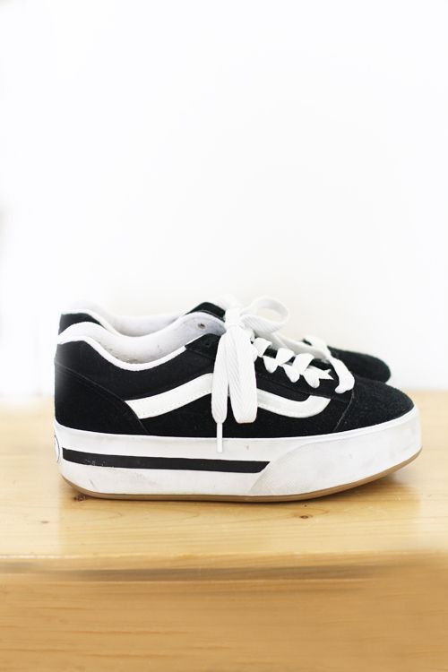 c840043621 90 s Platform V s by Vans. I hope I still have my pair in storage. Please  bring these back