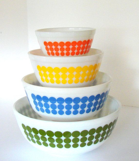 Pyrex Polka Dot Bowls Set of Four Green Blue Yellow Red Retro ...