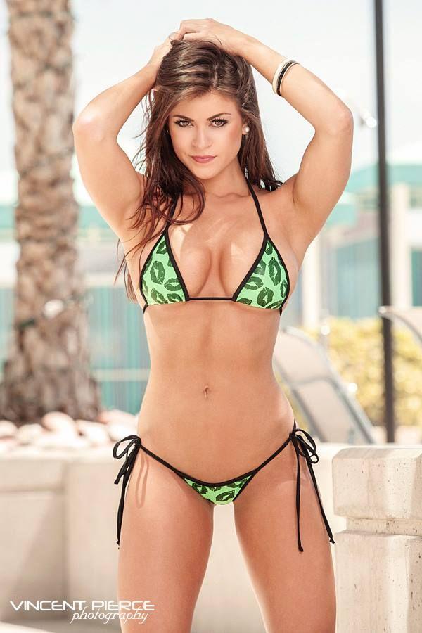 Hott girls in bikini butt