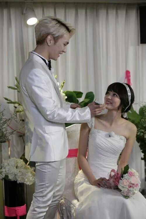 we got married shinee key and arisa dating