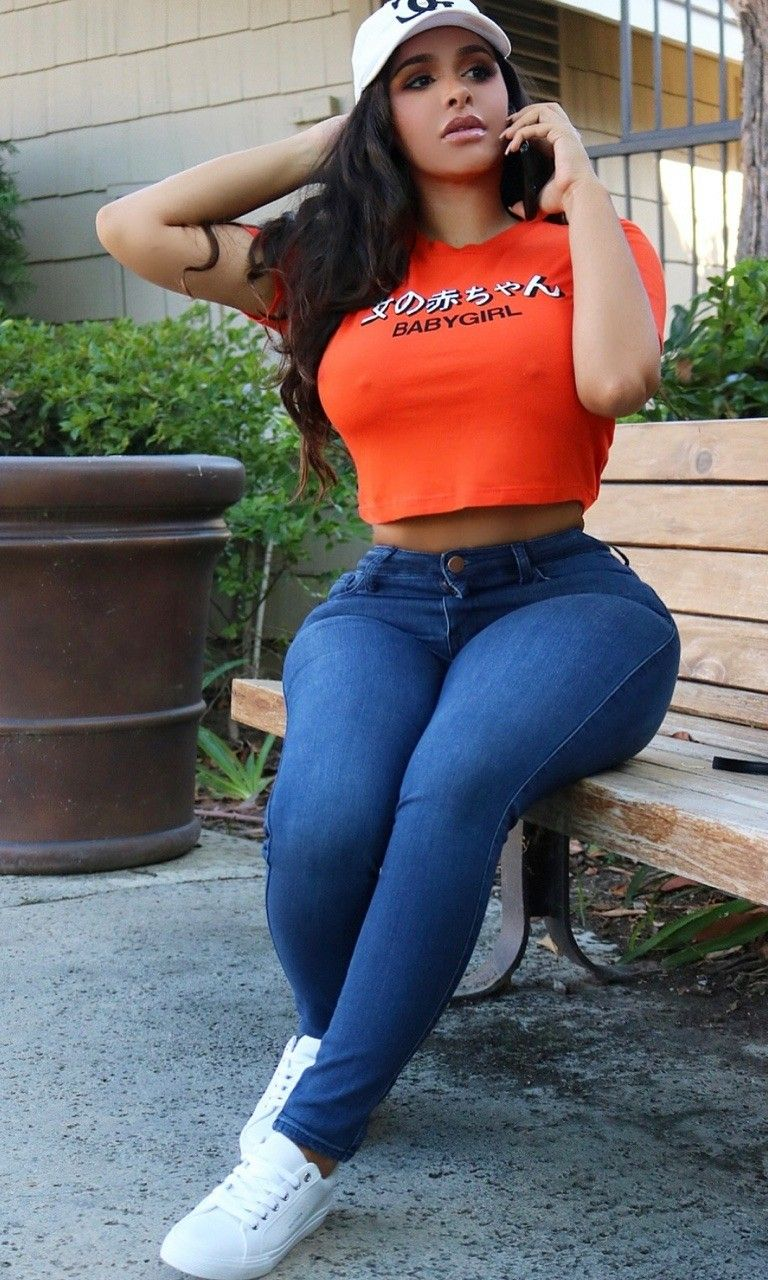 f9491cdcf Shorts With Tights, Leggings, Denim Jeans, Skinny Jeans, Beautiful Curves,  Sporty