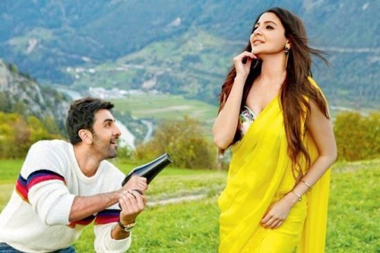 Ae Dil Hai Mushkil Anushka Looks Stunning In Yellow Chiffon Saree