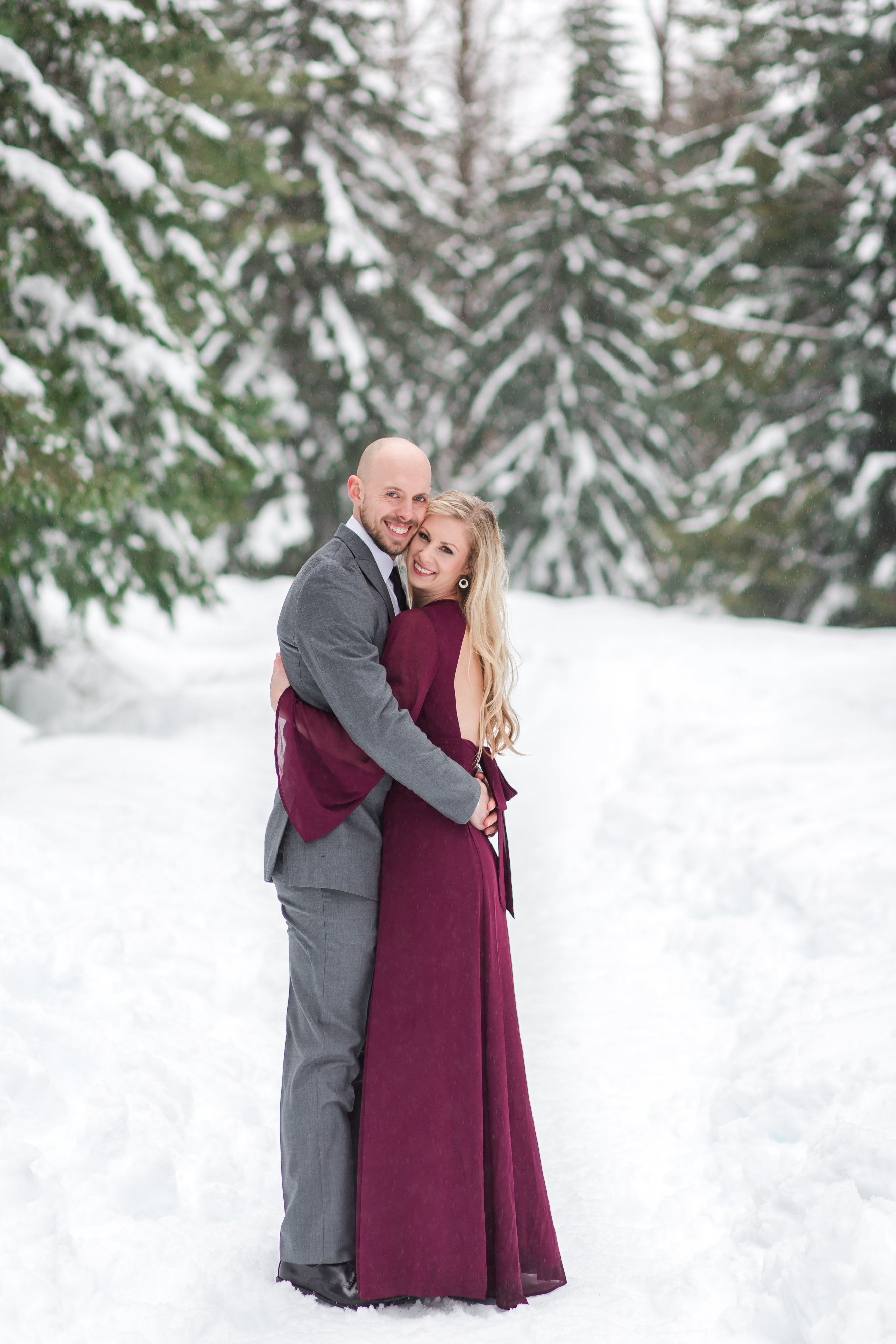 Snoqualmie Pass Engagement | Snowy Engagement Pictures | Formal ...