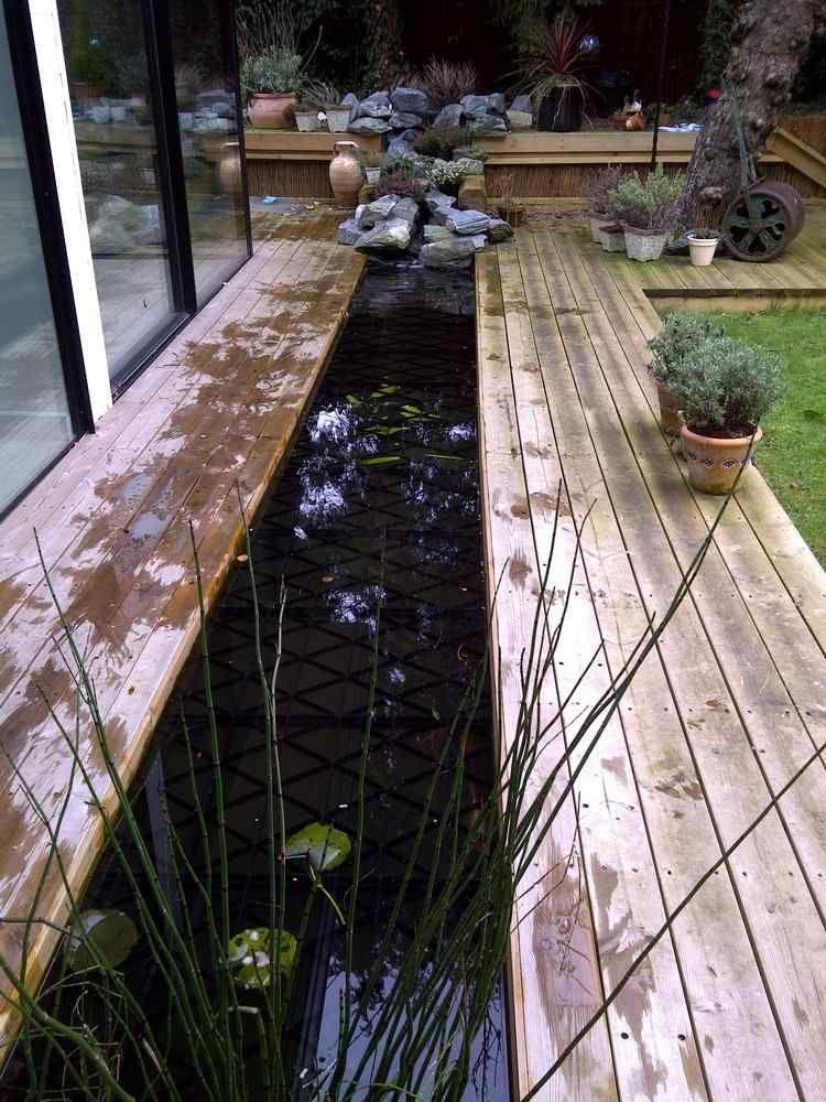 Bassin de jardin \u2013 le rendre plus sécuritaire pour les enfants - terrasse bois avec bassin