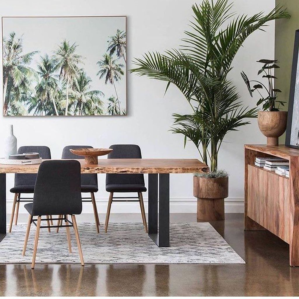20+ Catchy Living Room Designs Ideas With Bold Black Furniture #diningroom