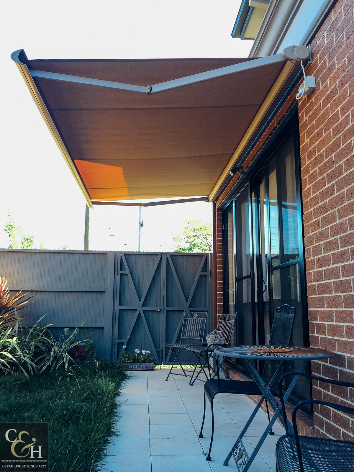 Innovative Retractable Awning Ideas & Design for your