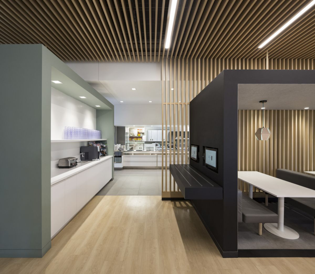 Interior Design Office Montreal: Office Tour: Genetec Headquarters – Montreal