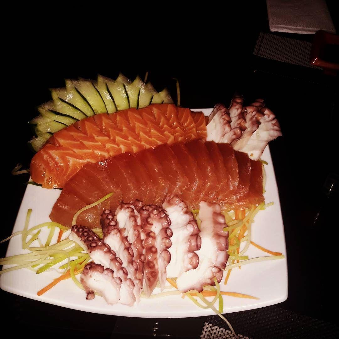 #tataki #sushi #sashimi #sushiporn #topsushi #instafood #saojose #ferias #jantinha #deleve by davilalucas