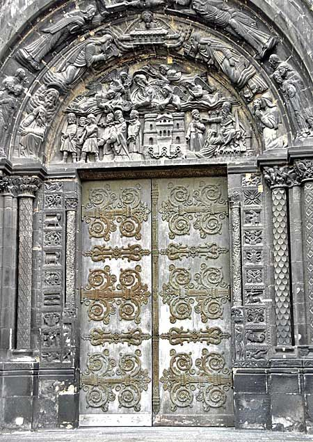 Reminds me of the Doors to Tartarus. (thinking of the book, HoH, that just came out) ;)