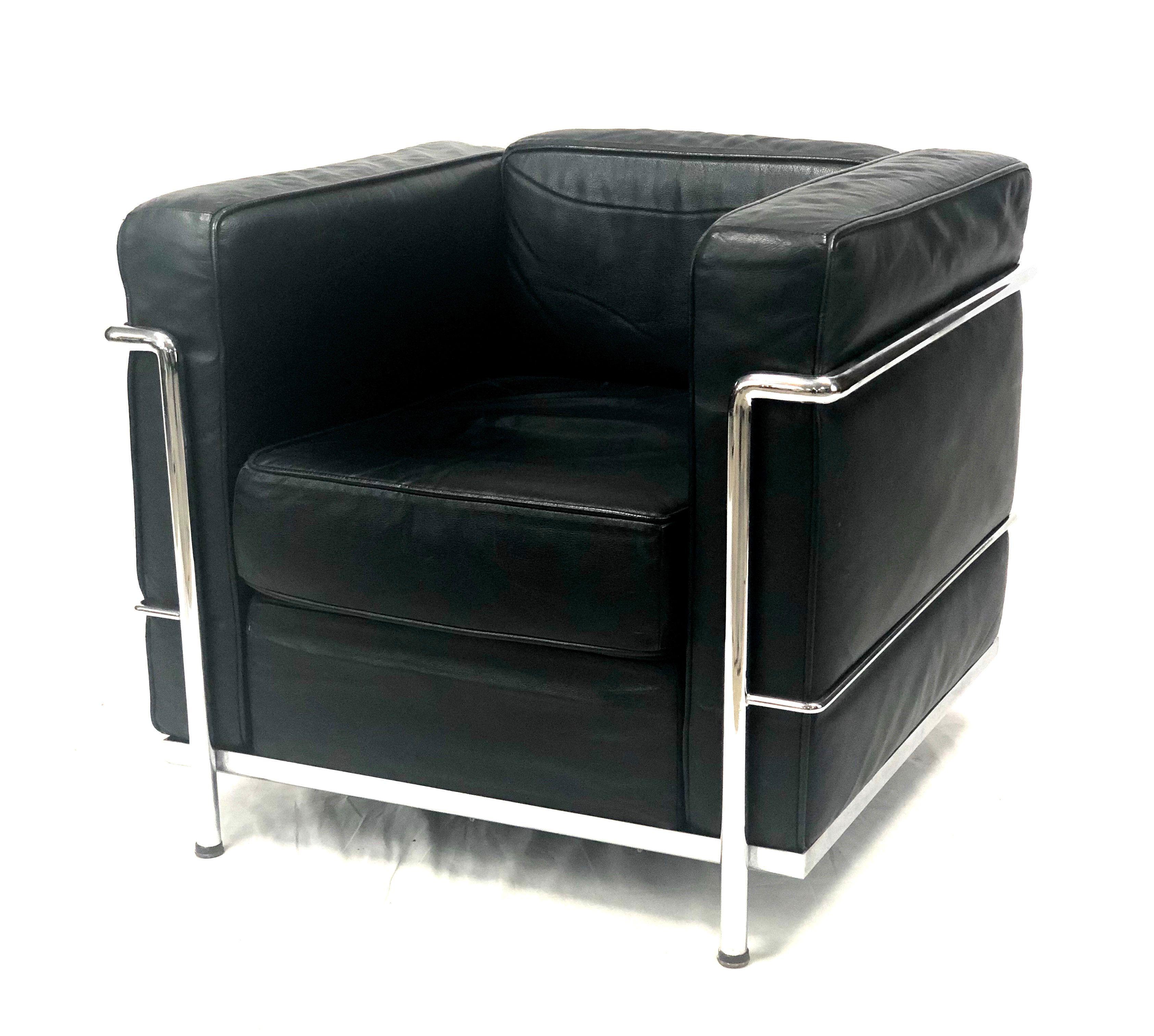 Vintage Le Corbusier Lc2 Modeler Style Black Leather Armchair