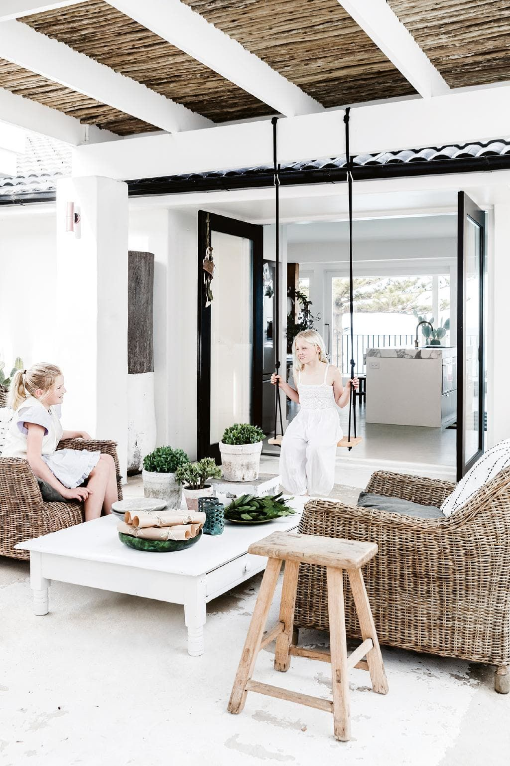 Whimsical Mediterranean Beach House In Sydney Mediterranean Style Homes Mediterranean Style Home Beach House Interior