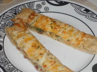 Cookin With Super Pickle Copycat Domino S Stuffed Cheesy Bread Copykat Recipes Recipes Cheesy Bread