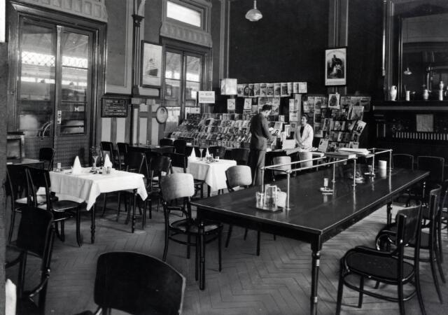 1930 1939 interieur van het ns station rotterdam maas te rotterdam wachtkamer