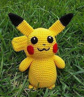 Pikachu and Pokeball Pod pattern - Ami Amour | 320x275