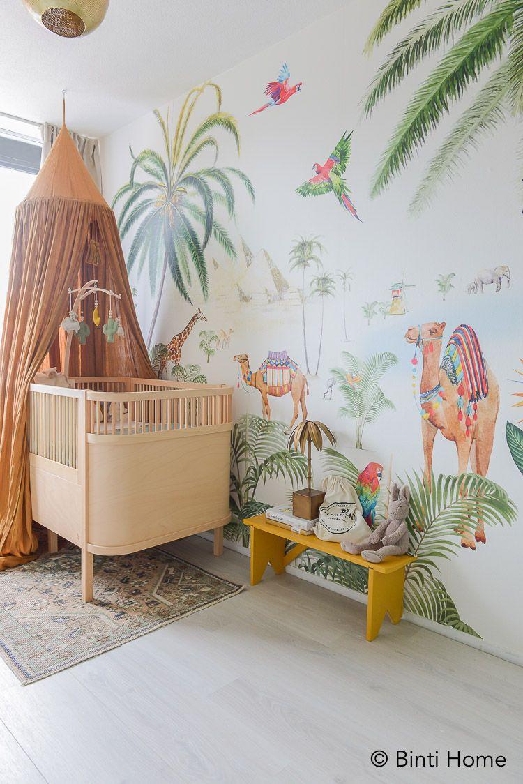 Boom Behang Babykamer.Babykamer Behang Met Palmbomen En Kamelen Van Creative Lab Amsterdam