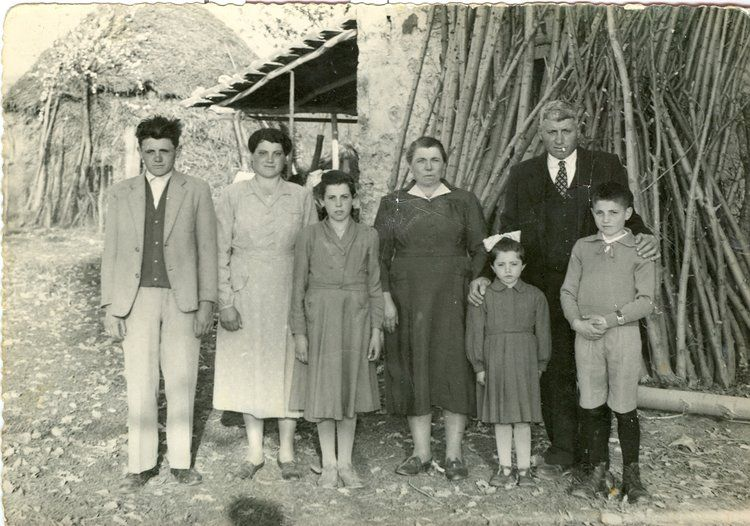 L.toR. Lorenzo Vacca, Gelarda Vacca Giangregorio, Sofia Vacca Morella, Amalia…