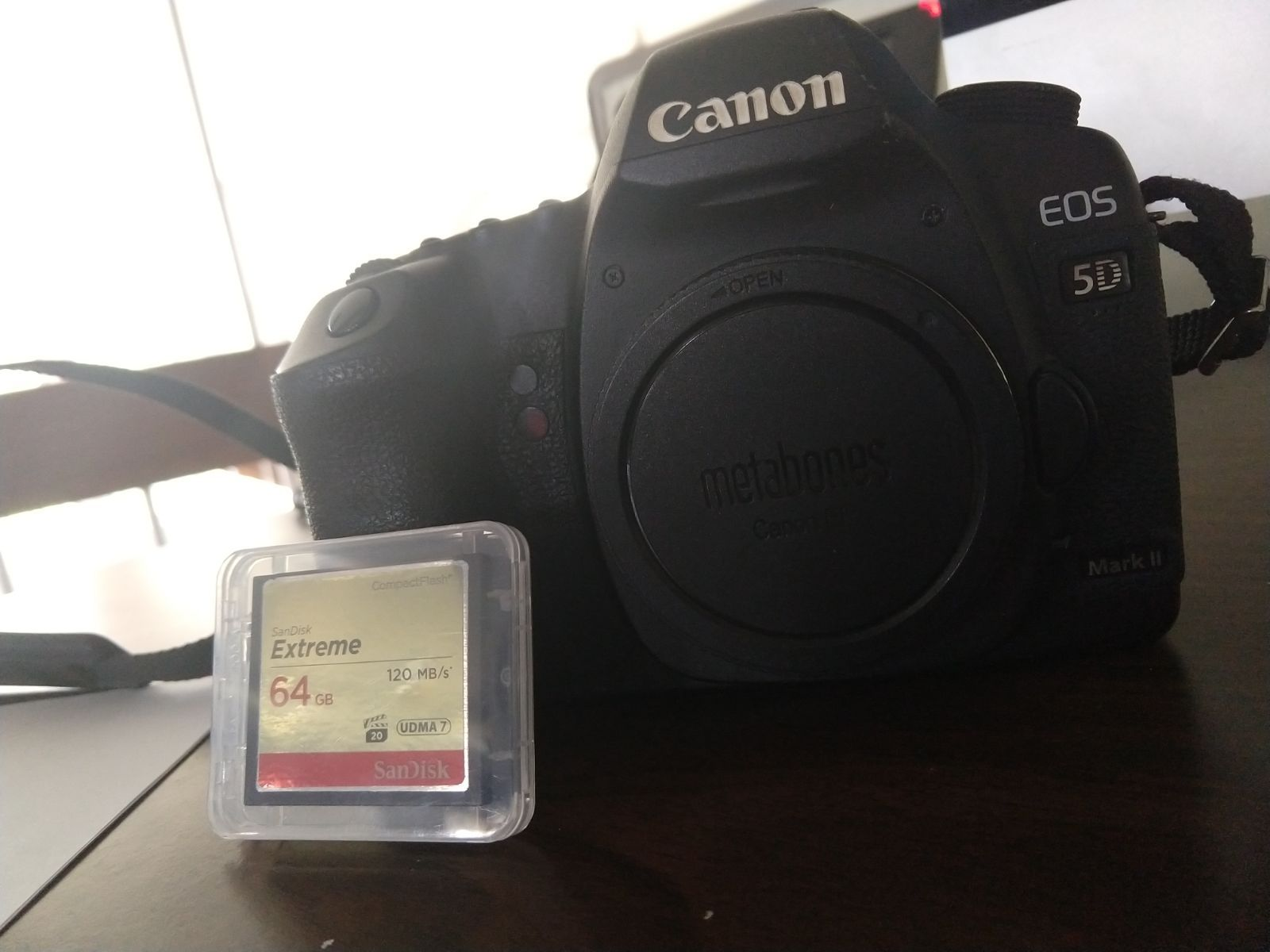 Great Camera With Good Video Full Frame Professional Photo Camera With A Lot Of Life Still Left In Her It Do Professional Photo Camera Memory Cards Cool Gifs